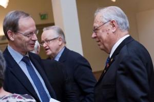Valtiosihteeri Torstila ja presidentti Ahtisaari olivat saattamassa minua eläkkeelle 1.12.2012